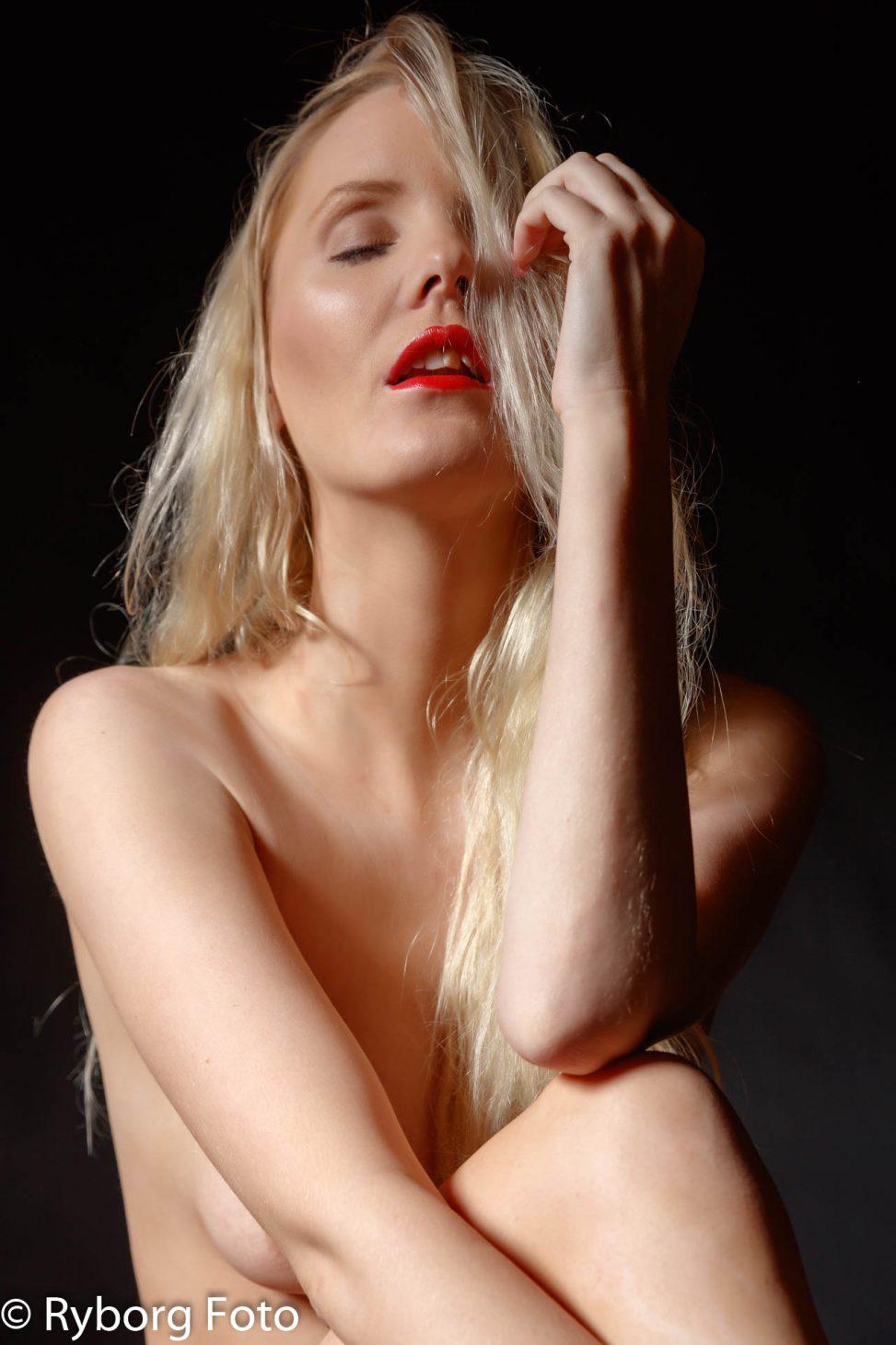 nicole brøggler nude portrait