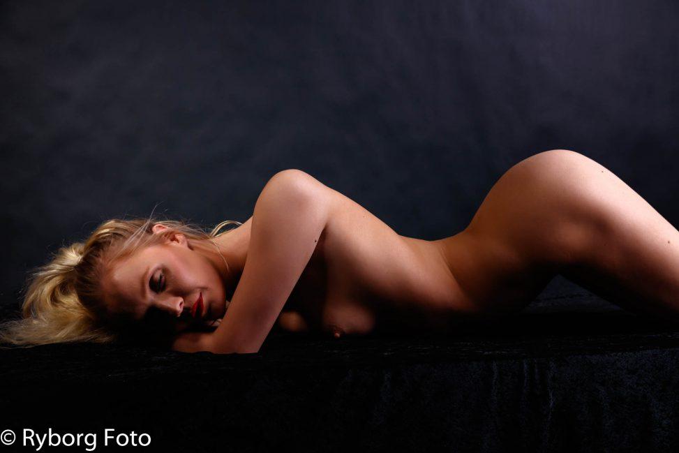 nicole brøggler nude