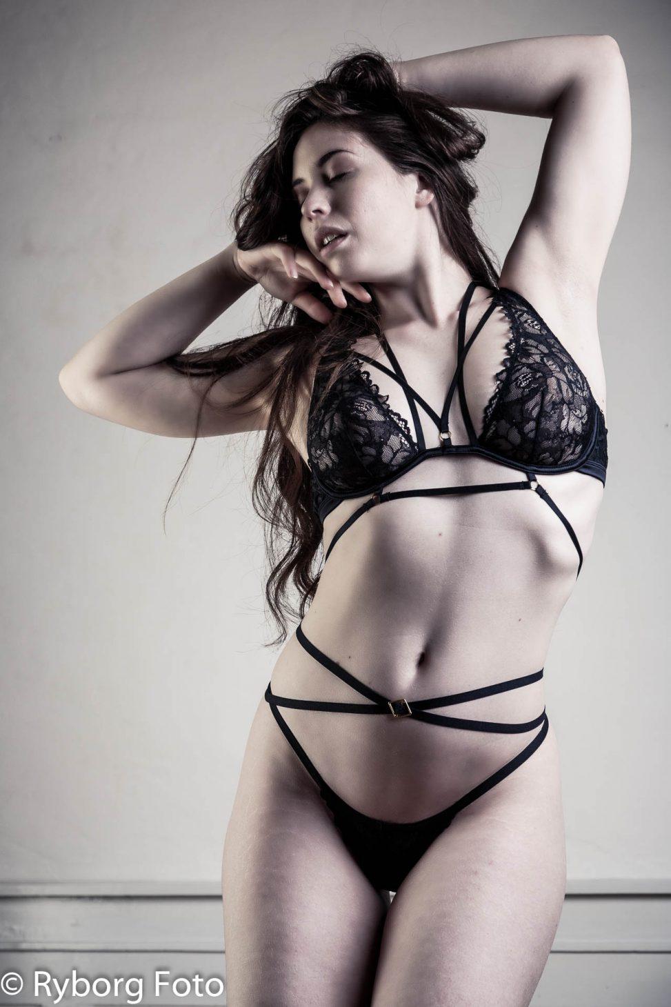 lingerie elle beth